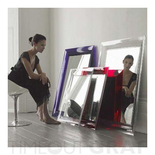 307_4_Francois_Ghost_mirror_Frau