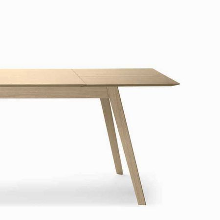 aise-table-treku_m93WyJ