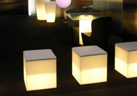 tabourets-contemporains-lumineux-52930-2011497
