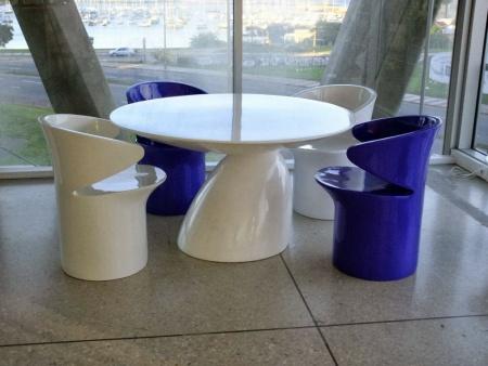 Adelta-Eero-Aarnio-Parabel-Table-xl1