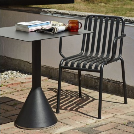 Palissade-Armchair-anthracite_Palissade-Cone-Table-anthracite-bouroullec-outdoor
