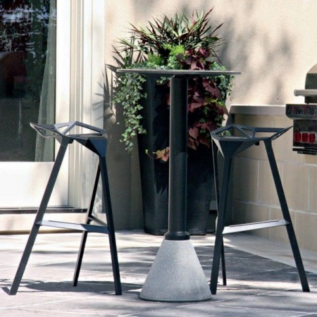 tabouret-stool-one-black-konstantin-grcic-magis